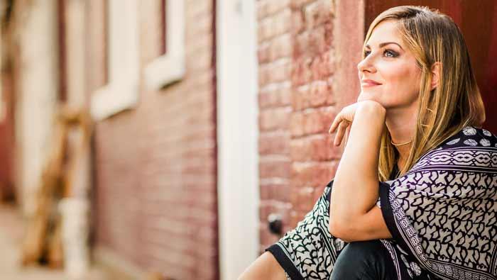 LindseyWebster_Showpage.jpg