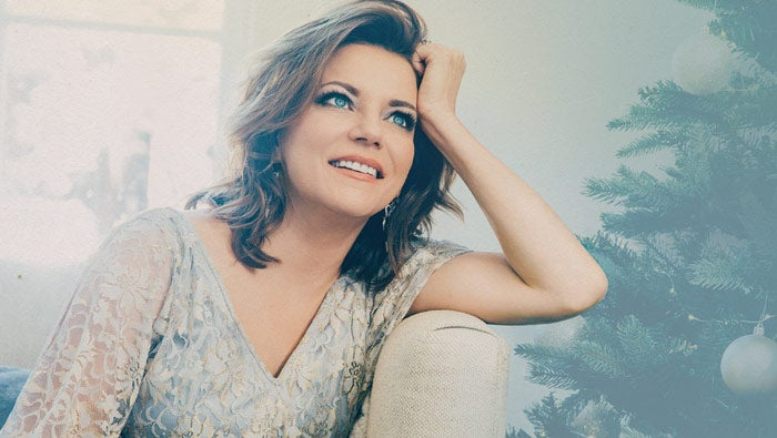 MartinaMcBride_Showpage_NEW.jpg